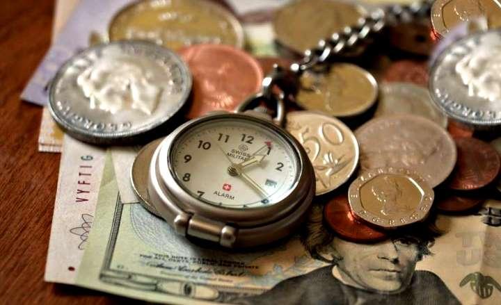 Выкупить часы лучше монетами