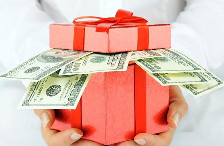 Деньги в подарок на праздник
