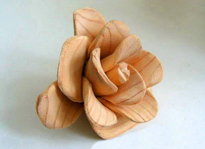 Деревянный бутон розы