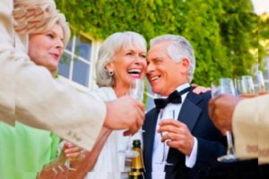 Родители празднуют годовщину свадьбы