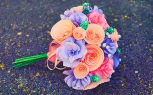 Цветы из бумаги в подарок