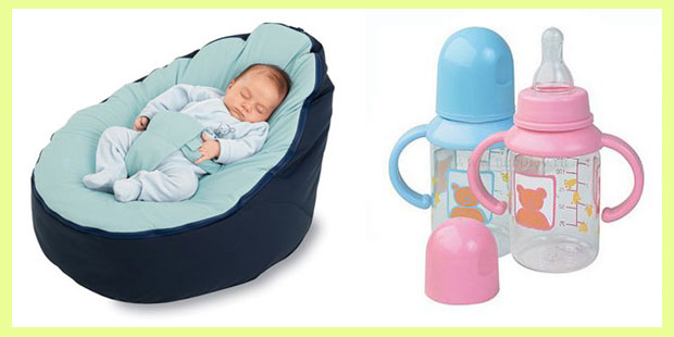 Коватка с новорожденным и бутылочки