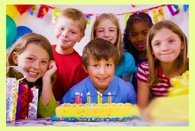 Мальчик торт и друзья