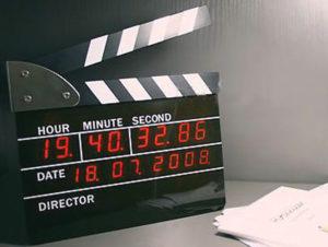 Часы в виде режисерской хлопушки