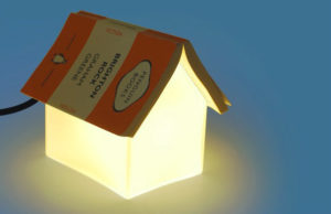 Лампа в виде домика