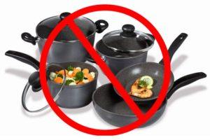 Не стоит дарить предметы посуды жене
