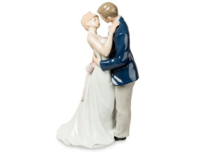 Статуэтка в подарок на свадьбу