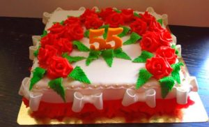 Праздничный торт на юбилей