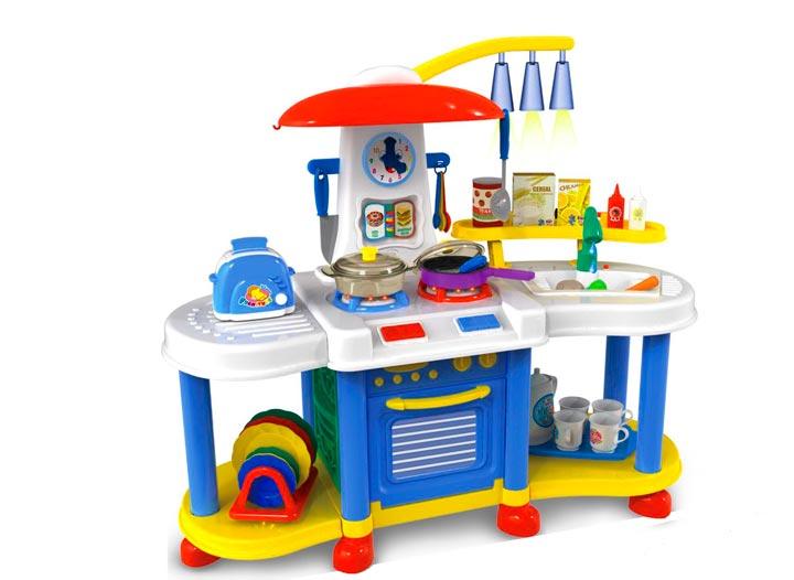 Игрушечная кухня в подарок для девочки
