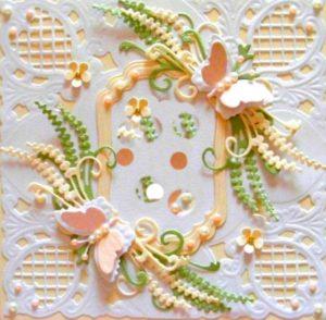 Бусины и цветы в открытке