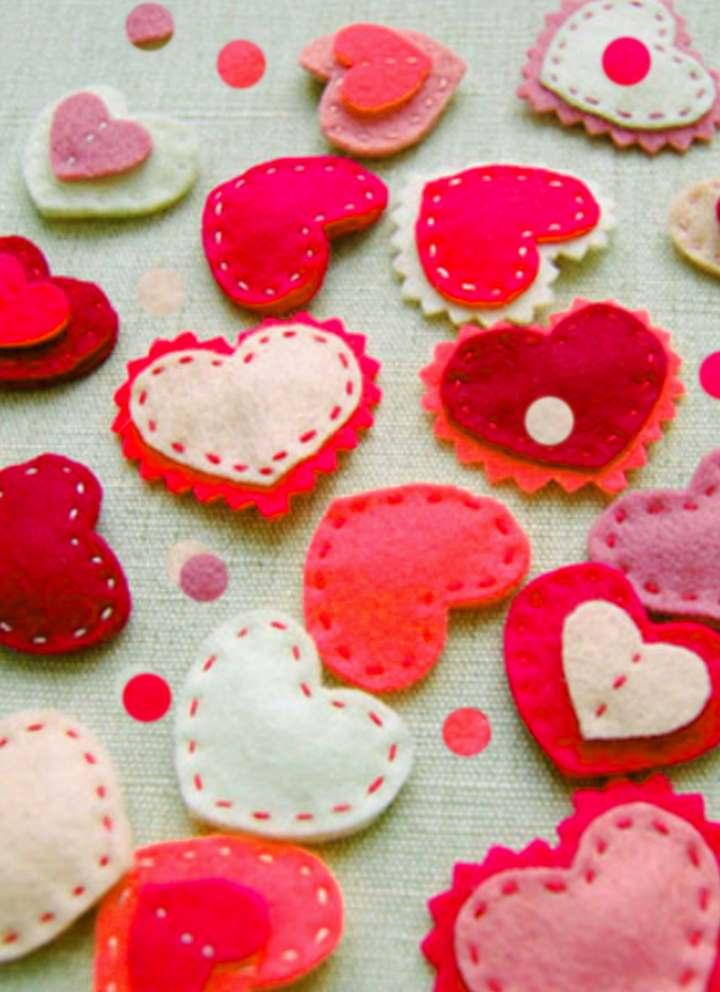 Маленькие розовые сердечки
