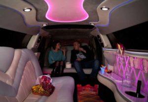 Лимузин с розовой подсветкой