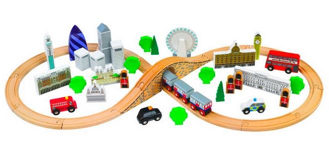 Железная дорога в подарок четырехлетнему имениннику