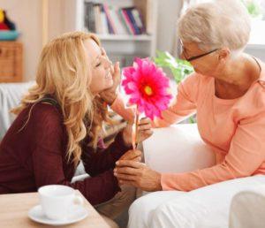 Розовый цветок бабушке
