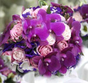 Фиалковый букет невесты