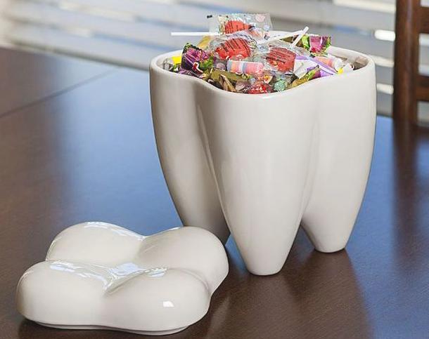 Конфетница в форме зуба