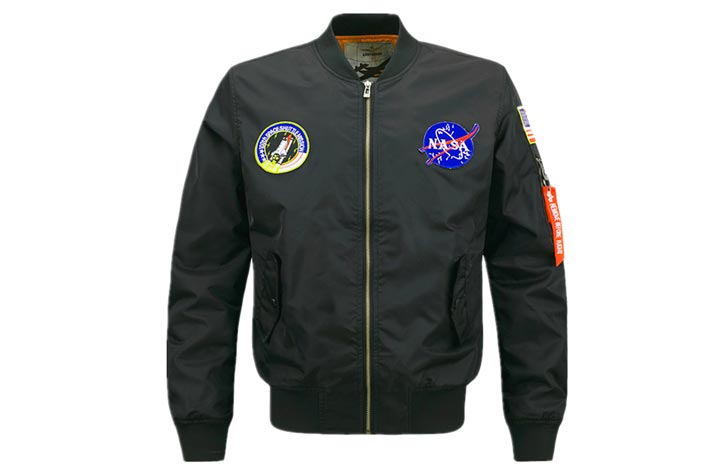 Куртка-бомбардировщик из кожи