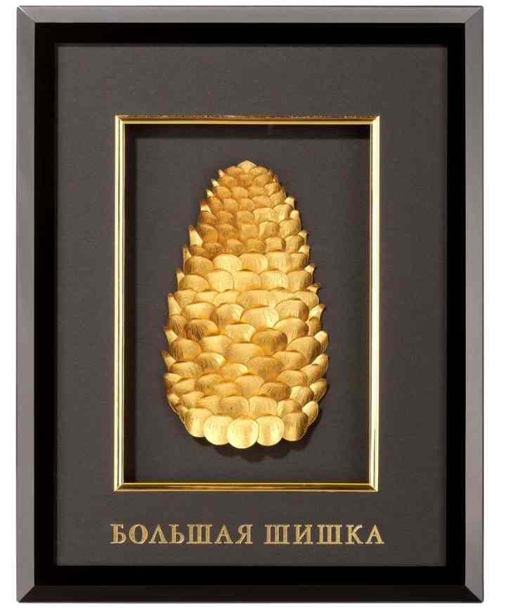 Золотая шишка в панно