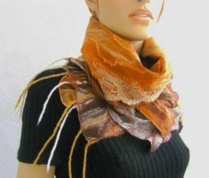 Шерстяной шарф ручной работы