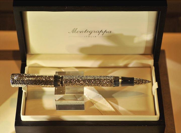 Шикарная шариковая ручка в подарок