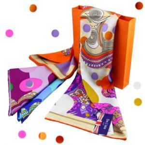 Шелковый платок в оранжевой коробке