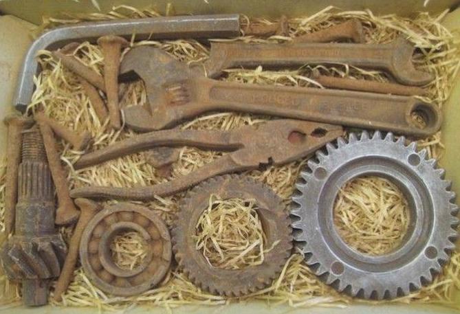 Шоколад в виде инструментов