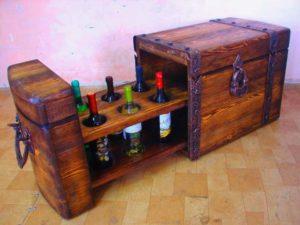 Оригинальный бар в виде сундука