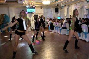 Свадебный подарок - танец