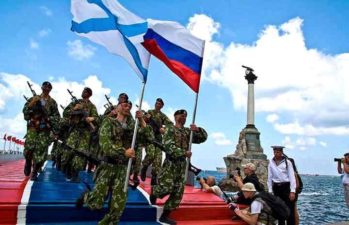 Военные моряки России