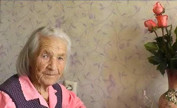 Бабушка в 80-90 лет