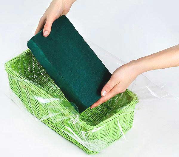 Пористая губка для большей сохранности букета