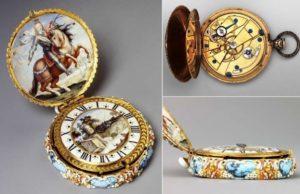 Часы на цепочке с эмалью