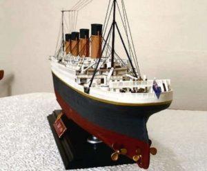 Собранная модель кораблика