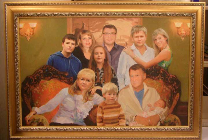 Семейный портрет\картина в рамке из тематического металла