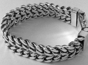 Огромный браслет из серебра