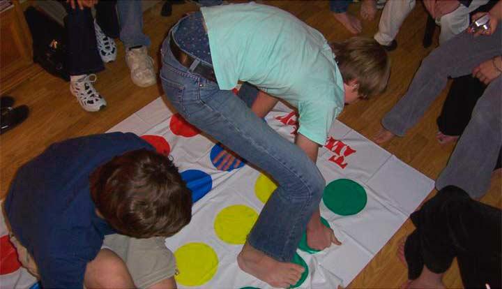Игра напольная для всех друзей - «Твистер»