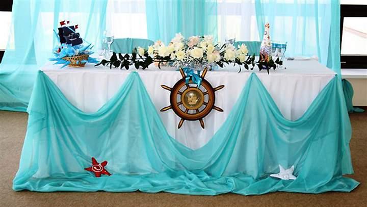 Стол под морскую тематику