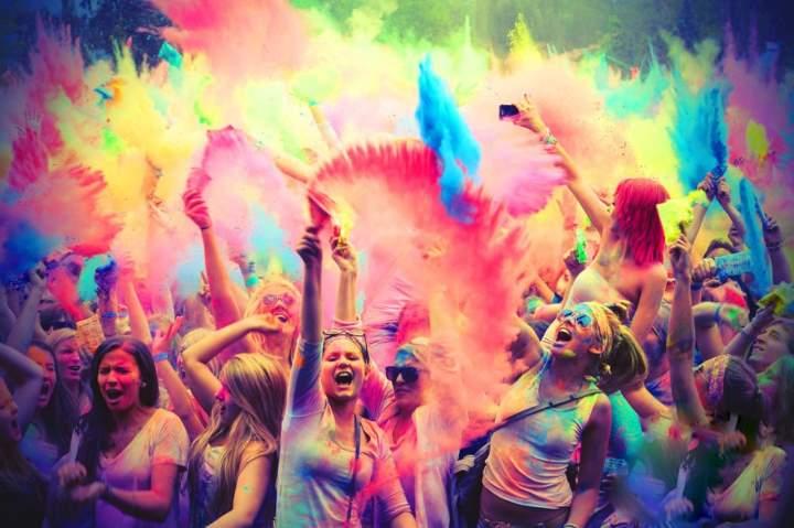 Цветная пудра в Индии