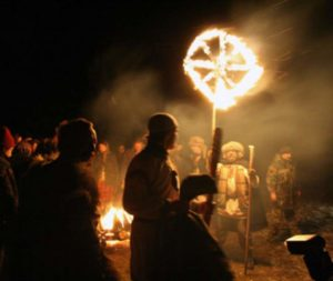 Ночью празднование солнцеворота