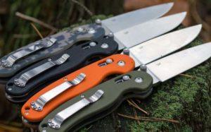 4 складных ножа